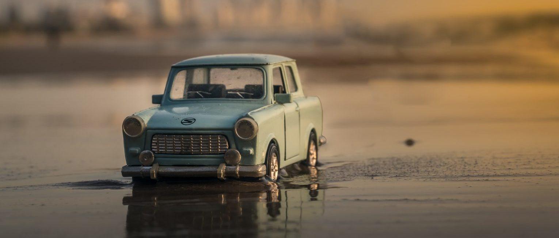 年式が新しいモデルチェンジ直後のハイブリッドミニバンを中古車検索する際の3つのポイント