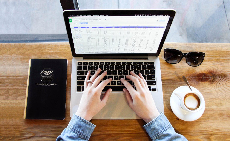 ノートパソコンで表計算